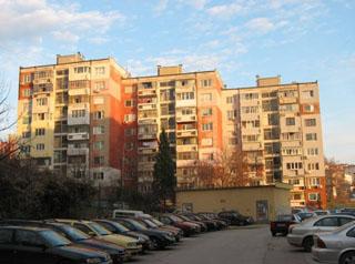 Многоетажни жилищни сгради с пътнически асансьри