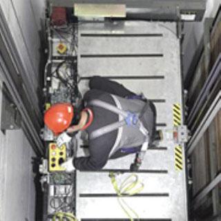 Технически преглед и поддръжка на асансъор за механически неизправности